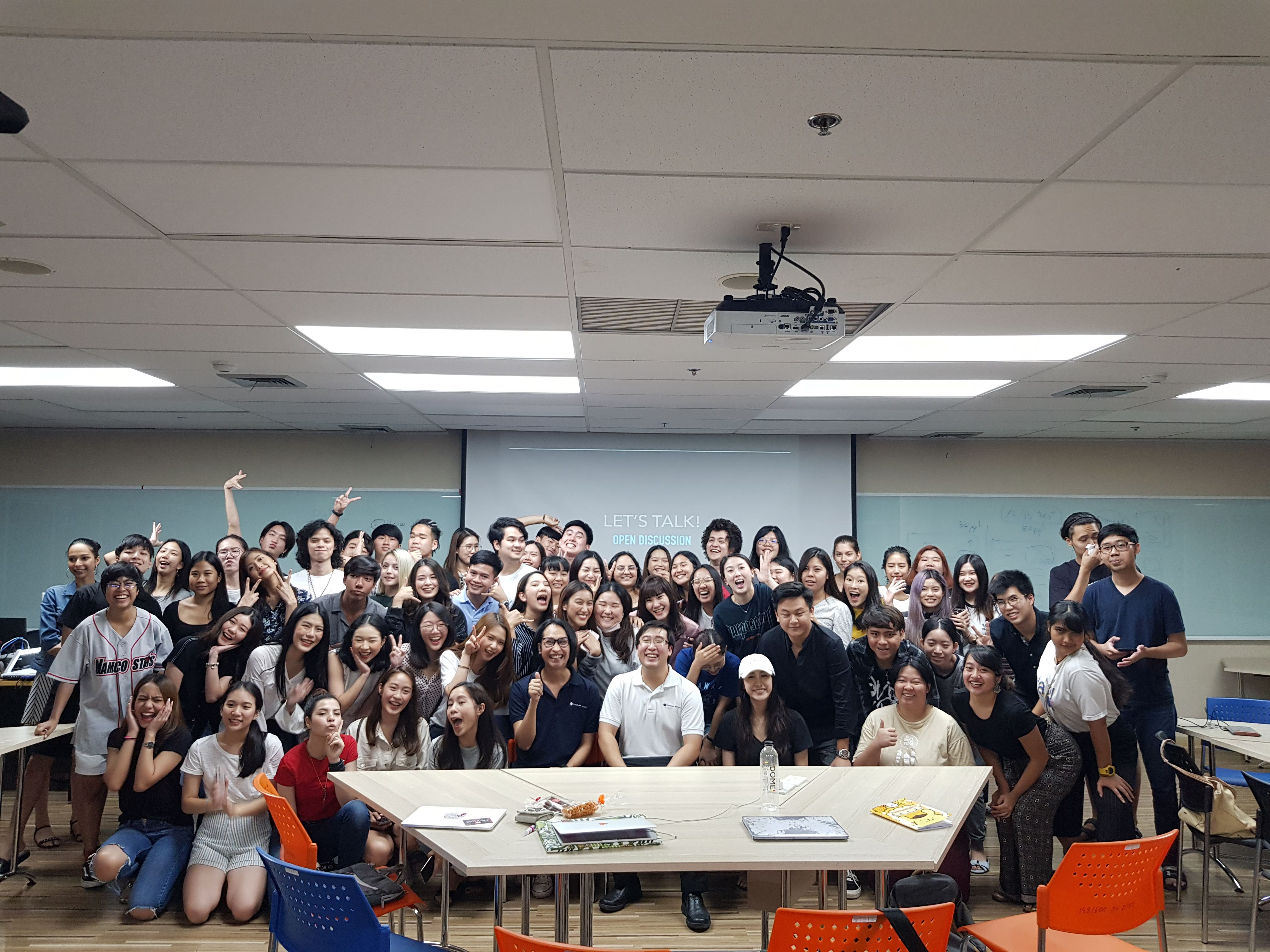 A group of fantastic students at Thammasat Lecture!